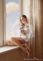 woman-window-24595030